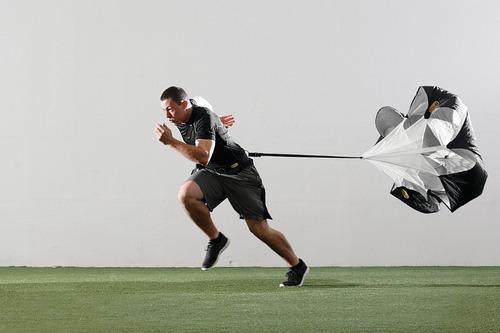 paracaidas de resistencia para corredores y atletas