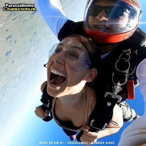 paracaidismo. saltos bautismo tandems y cursos deportivo