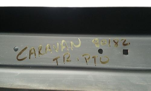parachoque traseiro caravan 80 81 82 83 84 com furo preto