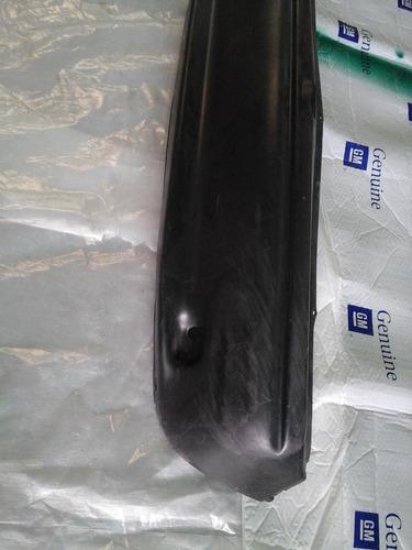parachoque trasero corsa 2000 (usado)