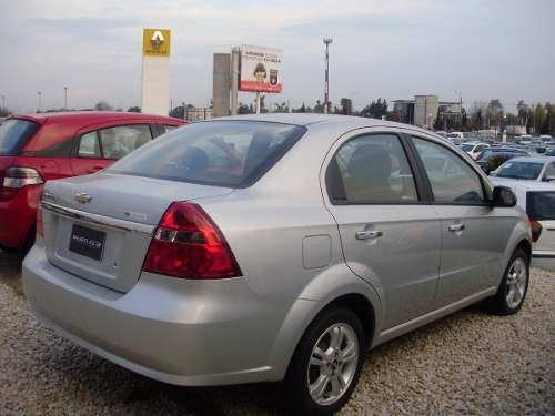 Paragolpe Chevrolet Aveo 2008 2009 2010 11 2012 2013 Trasero