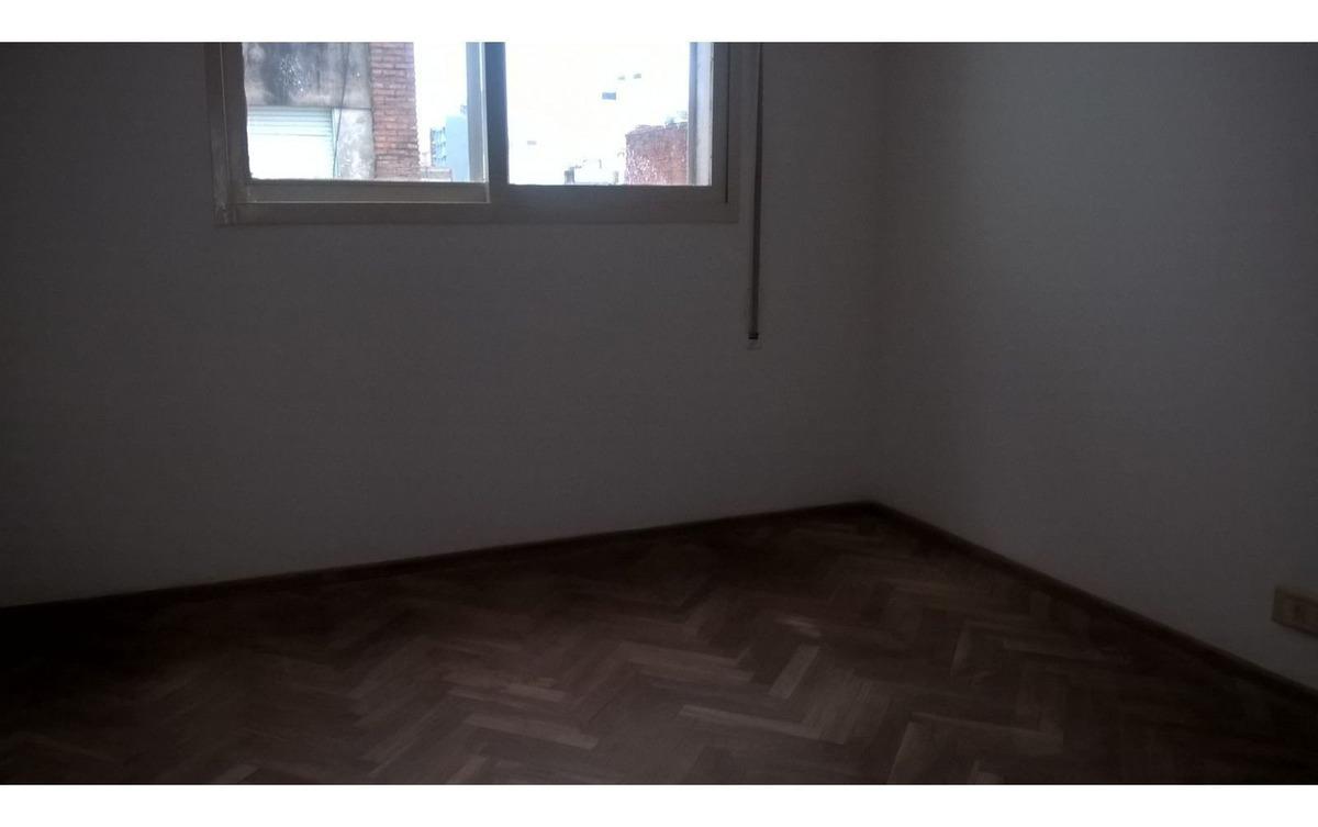 paraguay al 1400 2 dormitorios con cochera