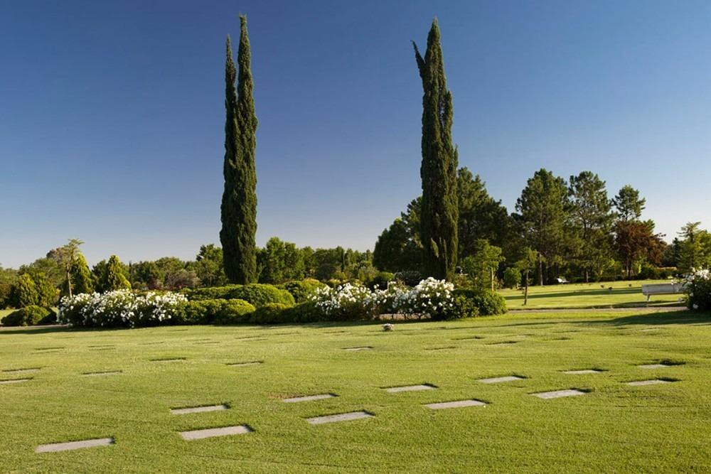 parcela cementerio memorial pilar