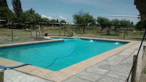 parcela con piscina