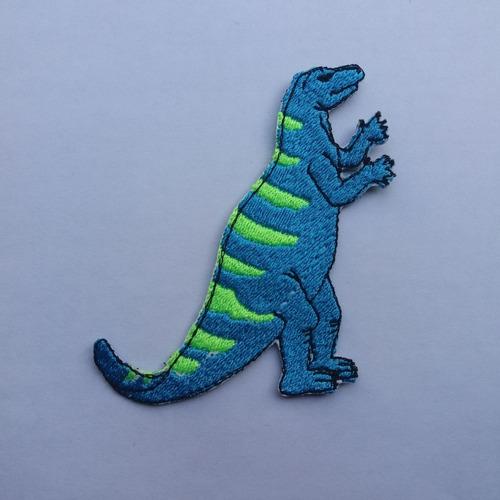 parche bordado dinosaurio celeste