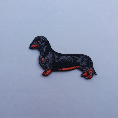 parche bordado perro salchicha negro