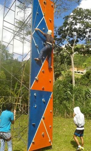pared de escalar, tirolina, rappel, bungee