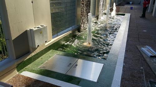 paredes y muros de agua, fuentes de agua, imagen empresarial