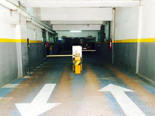 parking en pleno centro de montevideo, inmejorable ubicación