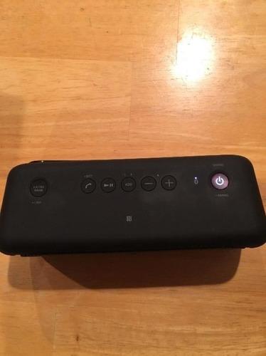 parlante portátil sony srs-xb30 con luces - negro - original