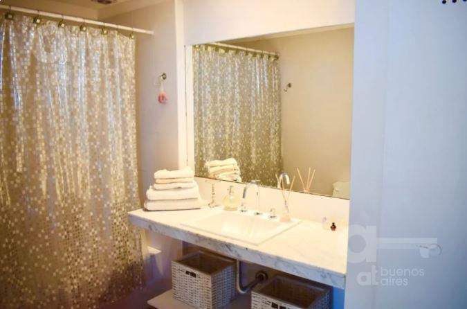 parque chas. departamento 2 ambientes con balcón y amenities. alquiler temporario sin garantías.