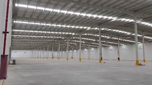 parque nave nueva 2,500 a 10,000 m2 aeropuerto queretaro