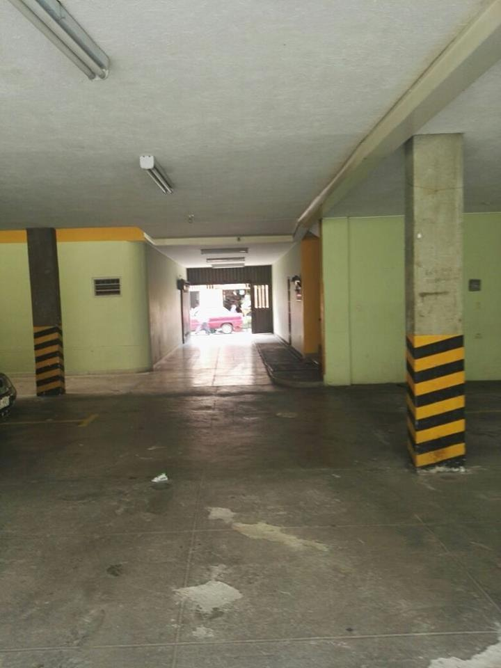 parqueadero cubierto - edificio silvana - centro de pamplona