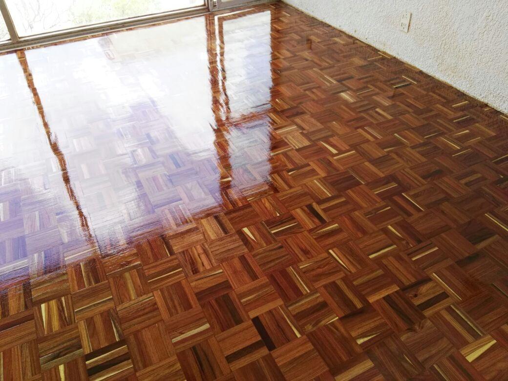 Parquet de chechem madera para piso en interior 24x24 cm Tipos de pisos de madera