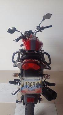 parrilla arsen 2 150 empire keeway negra moto trasera