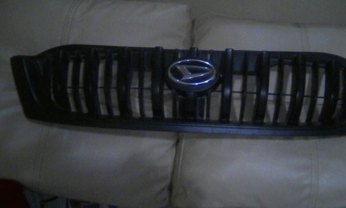 parrilla con emblema de toyota terios 2002 a 2007