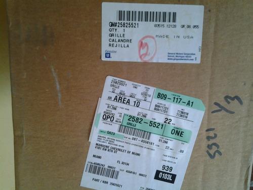 parrilla cromada chevrolet c-3500 2009/2010 original
