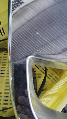 parrilla de ford explorer  con detalle 2008