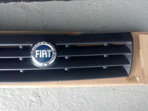 parrilla frontal del fiat uno fire original