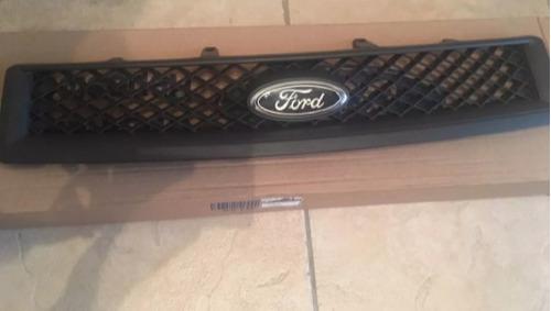 parrilla frontal ford fiesta max 2008 al 2010 original