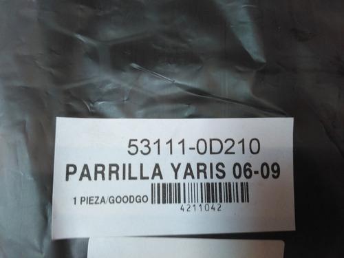 parrilla toyota yaris  2008 - 2009