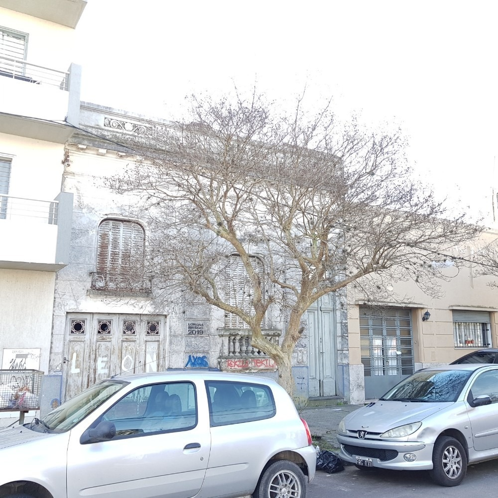 particular casa/terreno 17 entre 65 y 66 la plata