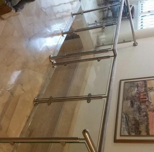 pasamanos de acero inoxidable y vidrio templado