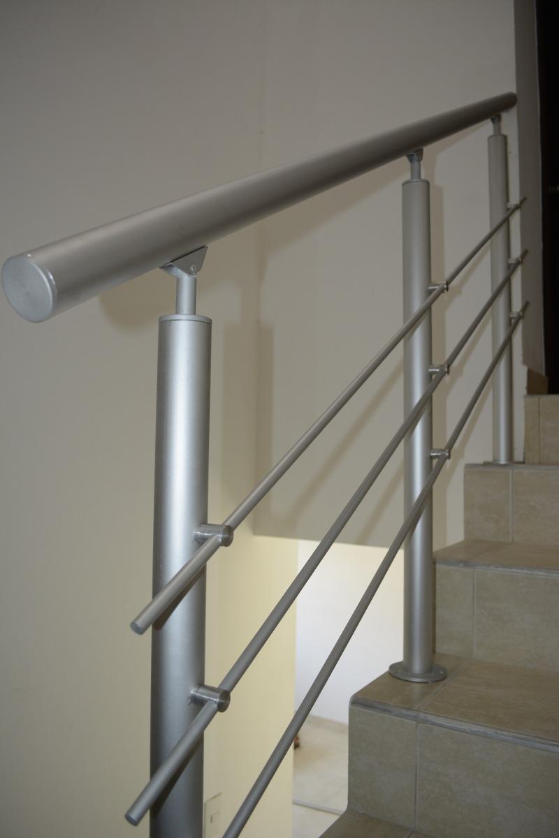 Pasamanos de metal para escaleras top escaleras de hierro - Pasamanos escaleras interiores ...