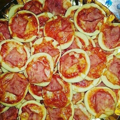 pasapalos, tequeños, empanaditas rellenas, mini pizzas y mas