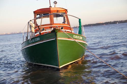 paseo en barco/ show a bordo.
