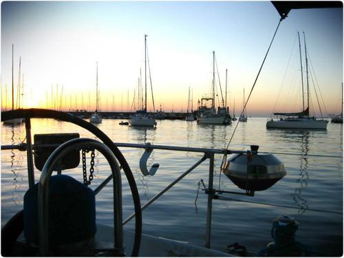 paseo en velero barco buenos aires y colonia