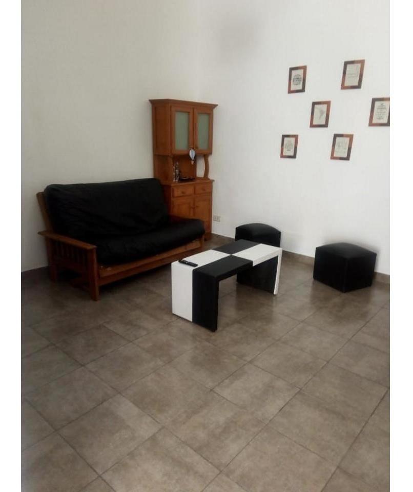 pasillo pichincha 2 dormitorios