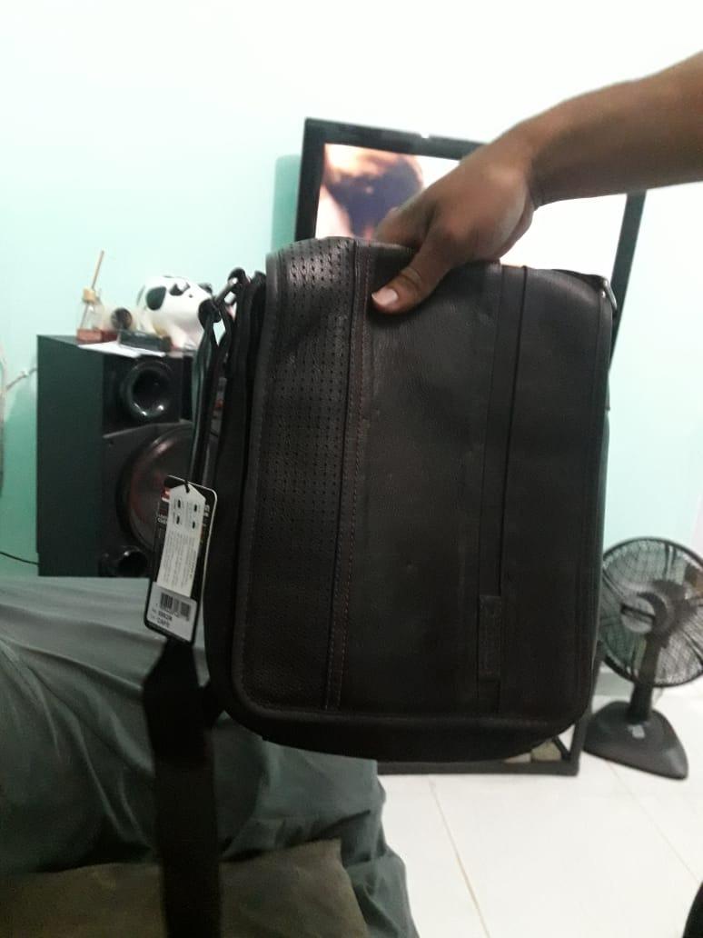 299e2e7aa pasta bolsa masculina tiracolo em couro bennemann 5563. Carregando zoom.