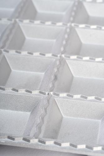pastalinda molde 24 ravioles 47x47 tableta aluminio c/palo