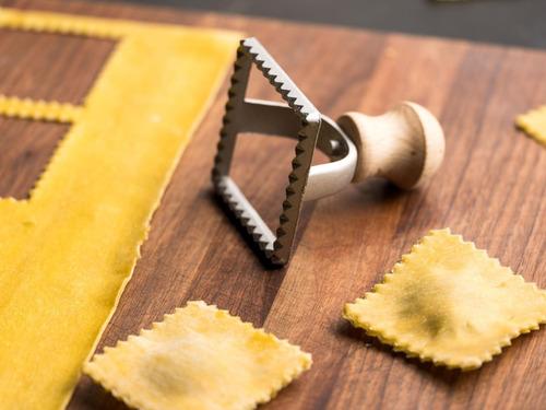 pastalinda sello ravioles 70x70 cuadrado aluminio  raviolon