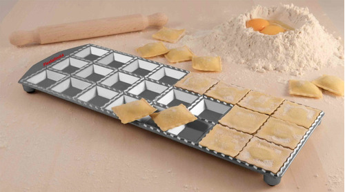 pastalinda tableta 24 ravioles 47x47 molde aluminio c/palo