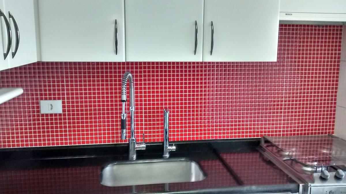 Pastilhas Adesivas Resinadas Banheiro, Cozinha, Tripla 1 Cor  R$ 9,99 em Mer -> Banheiros Com Pastilhas Resinadas