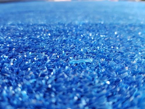 pasto alfombra azul