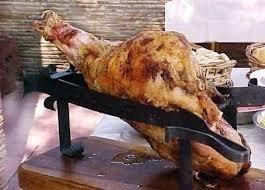 pata de cerdo/ternera/horno a quebracho/pan&salsas&dulces
