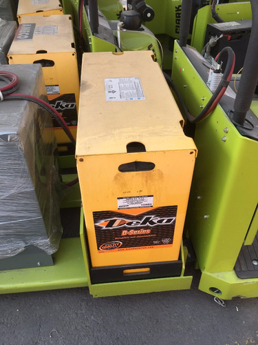 patín eléctrico hombre abordo de 3,000 lbs nueva