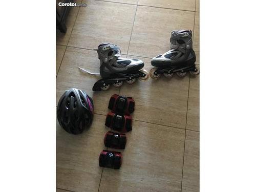 patines con su equipo de protección completo nuevo