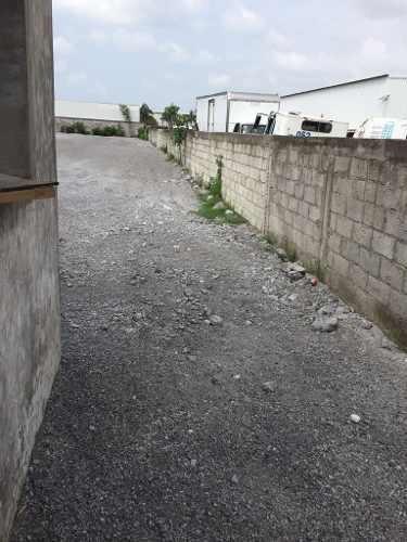 patio de maniobras en renta / bruno pagliai
