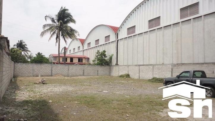 patio de maniobras y oficinas en venta las amapolas lv-1705