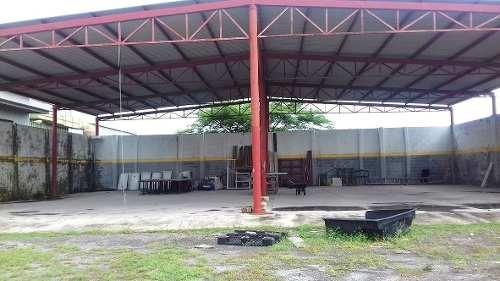 patio en renta para resguardo de unidades