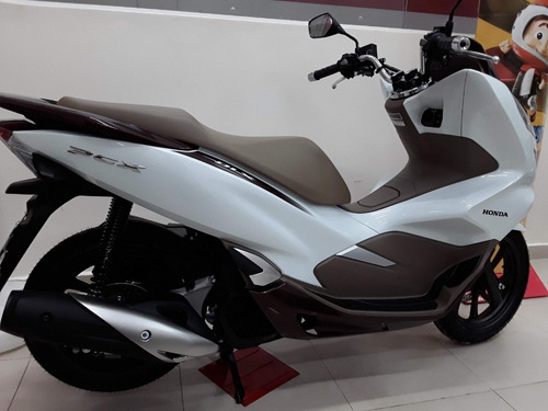 pcx 150 deluxe abs - led, tomada 12v, idling stop, smartkey