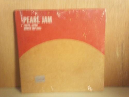 pearl jam. tokyo, japan. march 3rd 2003. cd.