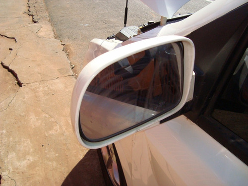 peças sucata de ssangyong 2010 diesel motor cambio lataria