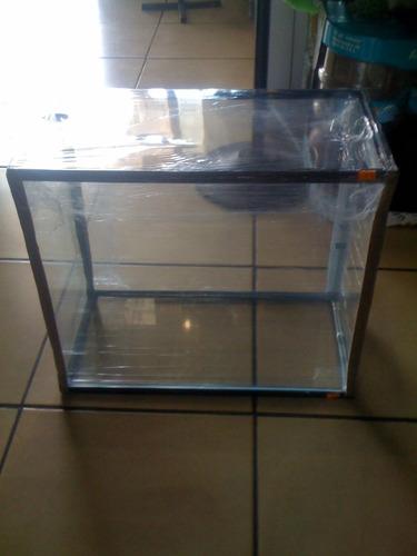 pecera de cristal 50cm largo x45  altox 25 cm ancho