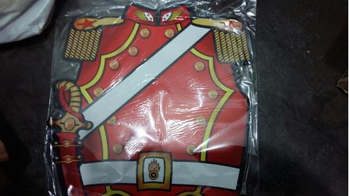 pechera de soldado realista de cartón
