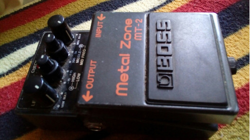 pedal boss metal zone efecto de guitarra